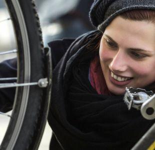 Cómo reparar una rueda pinchada de bicicleta en 10 sencillos pasos