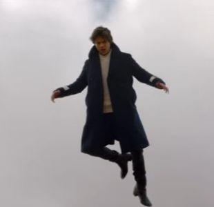 """Harry Styles en el videoclip de """"Sign of the Times"""""""