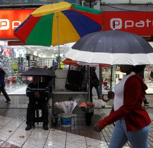 [FOTOS] Las imágenes que dejó la adelantada lluvia en Santiago