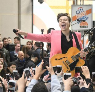 Harry Styles lanza álbum debut como excepción a regla boy band