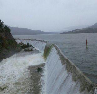 MOP investigará causas del desborde de embalse Recoleta