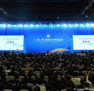 Xi da inicio al foro internacional sobre Nuevas Rutas de la Seda