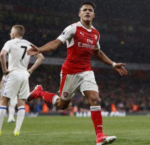 Alexis anota doblete en triunfo de Arsenal y queda a uno de ser goleador de la Premier