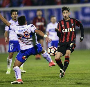 La UC cae luchando frente a Atlético Paranaense y se despide de la Libertadores