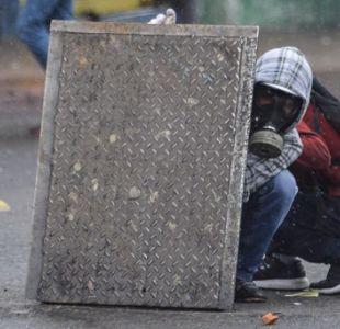 Gases lacrimógenos contra miles de opositores en Venezuela