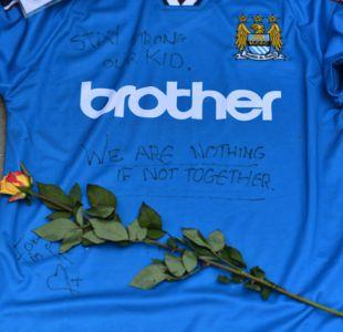 Manchester City y United donan un millón de libras a víctimas de atentado