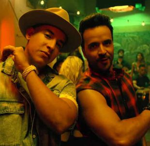 """Luis Fonsi y Daddy Yankee en el videoclip de """"Despacito"""""""