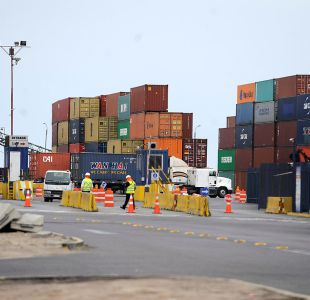 Transportistas bolivianos bloquean paso fronterizo con Chile