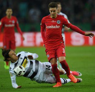 Frankfurt despide a futbolista por realizarse tatuaje antes de final de Copa Alemania