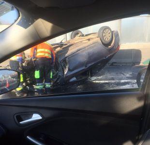 Dos accidentes en autopista Vespucio Norte provocan atochamientos y dejan una persona fallecida