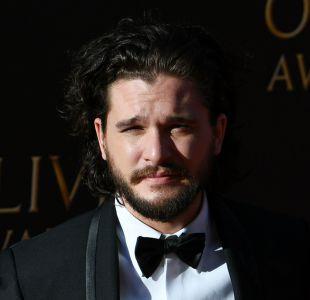 Las burlas que recibe Kit Harington en el set de Game of thrones por la perfección de Jon Snow