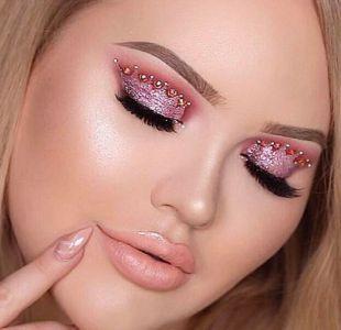 Crown Makeup