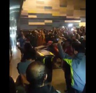 Fuerzas Especiales ingresan a estación Tobalaba del Metro debido a incidentes