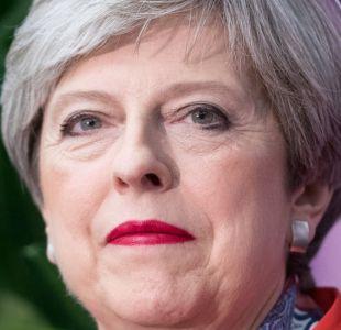 Reino Unido: Theresa May ignora llamados a dimisión y tratará de formar gobierno