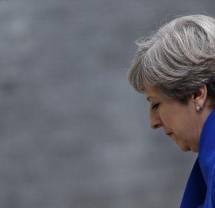 Partido de Theresa May negocia con unionistas respaldo al Gobierno central