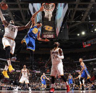 LeBron e Irving mantienen con vida a Cavaliers ante Warriors en finales de la NBA