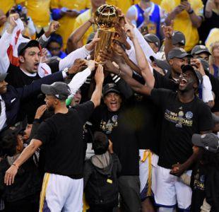 Warriors vencen a Cavaliers y se titulan en la NBA por segunda vez en tres años