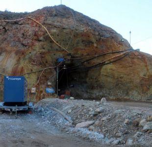 Dos de los 33 mineros de Atacama llegan hasta Delia II a cooperar con las labores de rescate