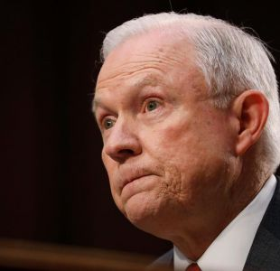"Fiscal Jeff Sessions considera ""detestable"" idea de una colusión con Rusia"
