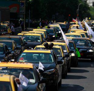 Paro taxistas: Gobierno invoca ley de seguridad del Estado tras bloqueo de ingreso al aeropuerto