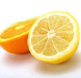 ¿Por qué cortar naranjas, limones y ciertas plantas al Sol puede dañarte la piel?