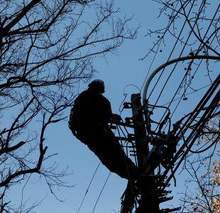 Ministro de Energía asegura que hay 7.500 clientes sin suministro eléctrico al mediodía