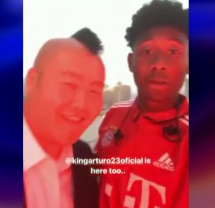 [VIDEO] Arturo Vidal responde a divertida broma de sus compañeros del Bayern Munich
