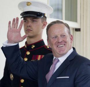 Seis polémicas que protagonizó Sean Spicer antes de dimitir como portavoz del gobierno de Trump