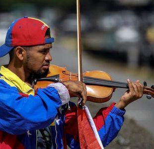 Wuilly Arteaga, el violinista famoso por tocar en las protestas contra el gobierno de Venezuela