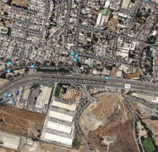 Protesta con barricadas dificulta el tránsito en Vespucio Norte