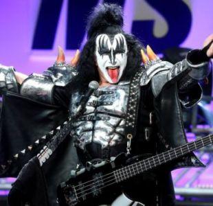 ¿Se parecen? Furor en redes por ternero idéntico al vocalista de Kiss