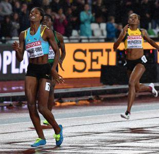 [VIDEO] Lesión frustra el oro de campeona olímpica en la final de 400 metros