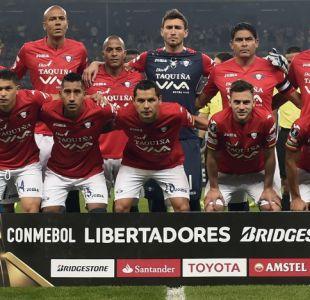 [VIDEO] Araña Roja: El portero chileno Raúl Olivares es figura en la Copa Libertadores