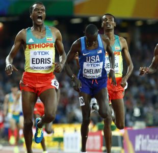 [VIDEO] Así fue la emocionante lucha por el oro entre Mo Farah y Muktar Edris en los 5000m