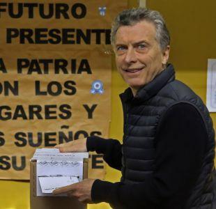 Macri rinde con éxito test de primaria legislativa argentina y Kirchner retorna