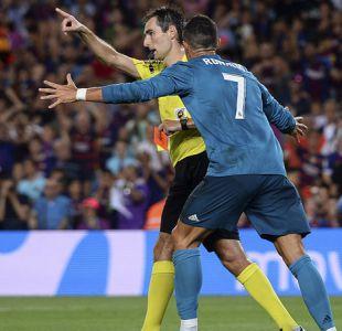"""Cristiano Ronaldo denuncia """"persecución"""" tras mantenerse su sanción por empujar al árbitro"""