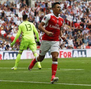 """En Inglaterra aseguran que Arsenal FC está molesto por llamado de Alexis a """"La Roja"""""""