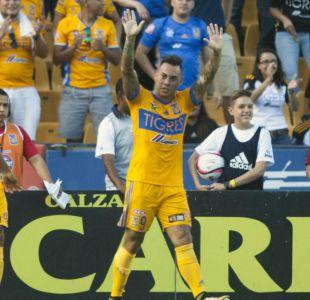 Tigres con gol de Eduardo Vargas derrota a Pumas de Nicolás Castillo