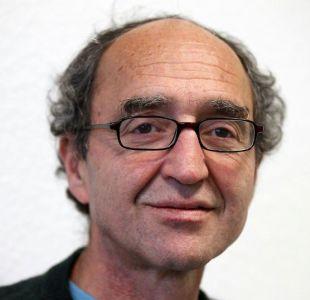 España acuerda libertad condicional a escritor germano-turco