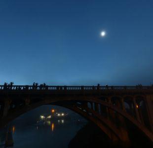 [FOTOS] Las primeras imágenes que deja el eclipse solar total en EEUU