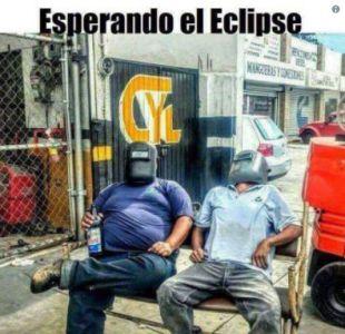[FOTOS] Los memes que dejó el eclipse solar