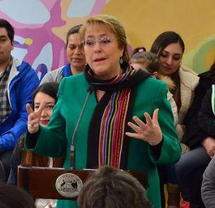 Bachelet a Piñera por aborto: Minorías no pueden buscar cambiar la decisión de las mayorías