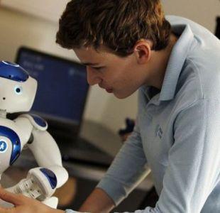 ¿Por qué este robot logra que un niño autista mire a los ojos?