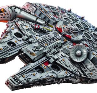 Ultimate Collectors Millennium Falcon