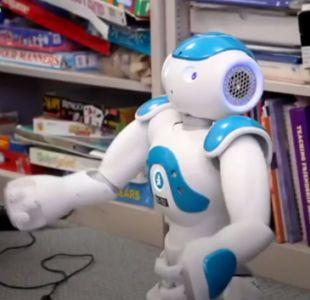 [VIDEO] El robot que logra hacer sonreír a niños autistas