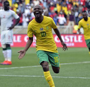 Sudáfrica no descarta recurrir a la decisión de la FIFA de repetir partido ante Senegal