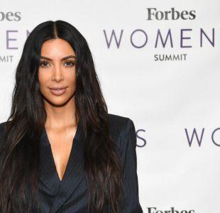 Kim Kardashian personifica con icónico disfraz a cantante Selena