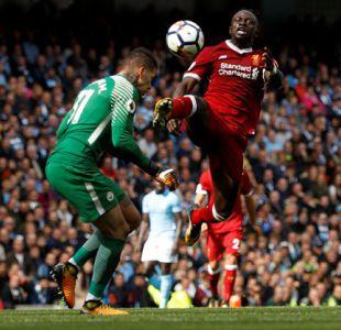 La FA suspende a Mané tres partidos por su patada a Ederson