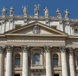 Vaticano investiga a diplomático sospechoso de consultar pornografía infantil