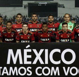 Eugenio Mena celebra junto a Sport Recife histórico paso a cuartos de Copa Sudamericana